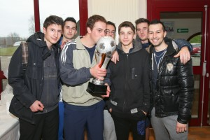 L'équipe de St Maurice l'Exil, vainqueur du tournoi de foot en salle du TCPE 2014.